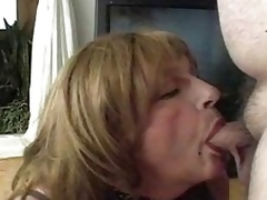 Full-grown Crossdresser Blowjobs