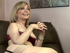 Dia Lewa is about to experience some actually kinky and hot lesbian love and her instructor to abominate Nina Hartley explains what this newborn is going to do to her.
