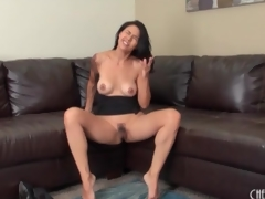Masturbating milf roughly a sexy sleeve pit-a-pat