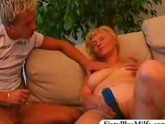 Teen suppliant fuckes a morose GILF