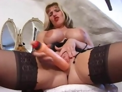 British milf in a fun tease be advantageous to her sexy congregation