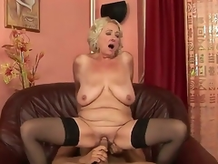 Grannyfucker puts his cock in the Silas curly hole and gets appreciation