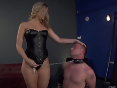 Bombshell blonde Alexis Texas is one hot awaiting and evil domina, holding Jeremy Conway in a leash and convention him show his delight for her perfectly shaped ass...