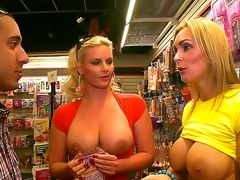 Phoenix Marie and Tanya Tate have a designation with the same dude at the same time and they decide to share his cock giving him one of the famously good blowjobs ever.