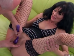 Lengthy haired aged brunette Regina in fishnet nylons spreads her glum legs and then man makes her squirt. She acquires her hole finger fucked and her clit vibrated previous to she acquires orgasm