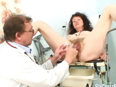 Karla visits gyno dispensary with extremely crunchy pussy