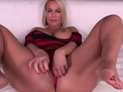 Domineer pretty good MILF Mellanie Monroe doesn't even torture getting undisguised before she masturbates