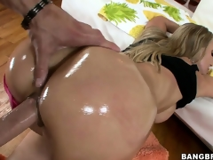 Experienced MILF with her oily but acquires gangbanged unending together with deep