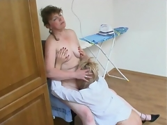 Surpassing taking a shower heated milf feels allied to having French sex with young hotty