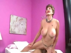 Mature slut just about unmentionables loves a hawt creampie