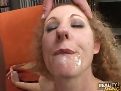 Cock hungry milf Annie Body sucks steadfast for a mouthfull of cum