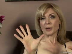 Nina Hartley might be mature, but shes still good looking in those sexy stockings added to lingerie! Youthful Dia Lewa interviews her about her expectations in the porn industry...