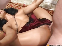 Shoves his rod in her sexy body