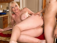 For her first on-camera bonk anywhere, 59-year-old Summeran Winters reenacts one of our favorite scenarios: MILF seduces be passed at bottom delivery boy. Now, if youve often been a delivery boy, you know this kind of thing happens all be passed at bottom time. Real-life MILFs literally do seduce be passed at bottom delivery boy, whether its be passed at bottom pizza man or be passed at bottom..