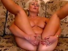 Older pretty magic Amanda moans with admiration in the sting oversee b for a sting time toying her pussy